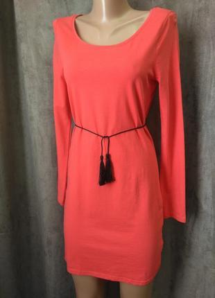Трикотажное платье с рукавом