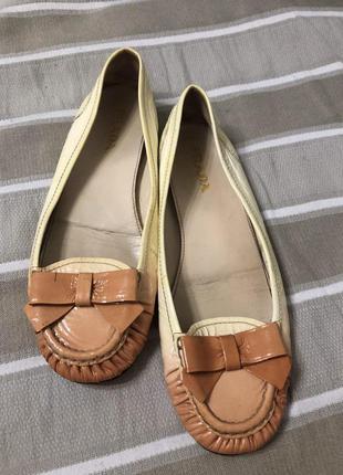 Кожаные туфли prada оригинал!