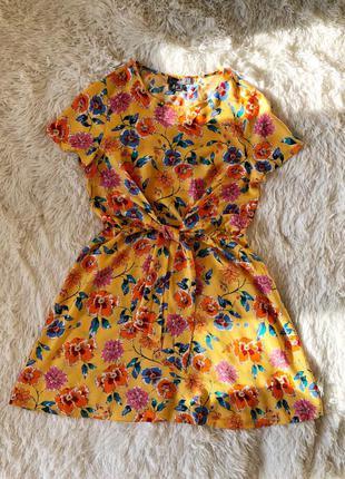 Яркое платье в цветочный принт primark