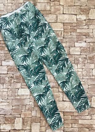Брюки в пальмовый принт