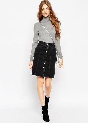 Черная джинсовая юбка с пуговицами