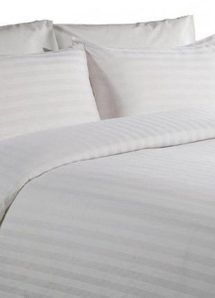 Комплект постельного белья двуспальный. постель белая отельная...