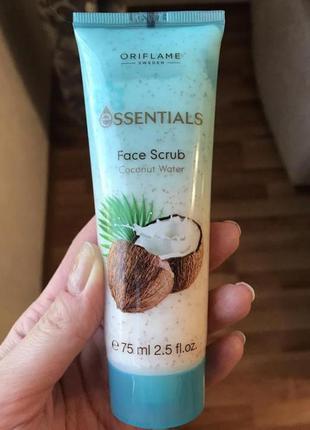 Скраб для лица «кокосовая вода» от oriflame