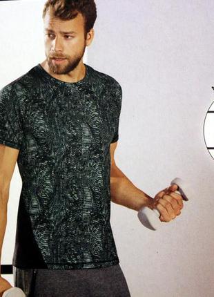 Отличная функциональная футболка crivit германия м
