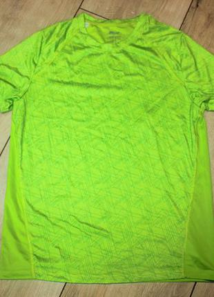 Новая стильная функциональная футболка crivit м
