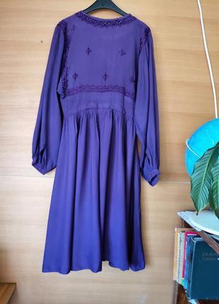 Фиолетовое платье туника с вышивкой
