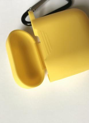 Apple Silicone case на AirPods