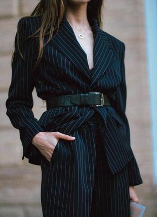 Крутой стильный пиджак в полоску