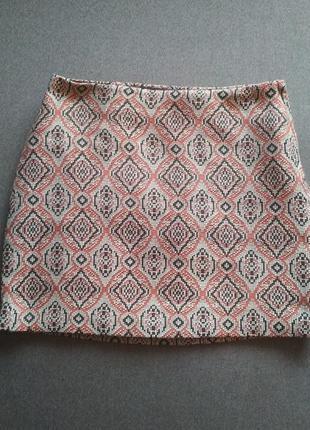 Стильная мини юбка.  юбка трапеция. интересный принт.  абстракция