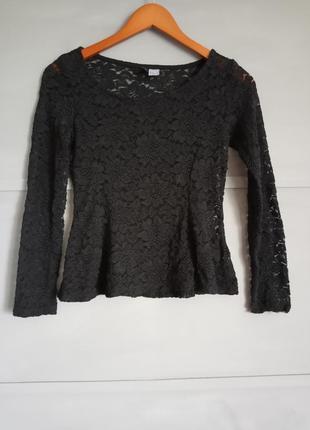 Черная блуза. гирпюр. кружева. стильная кофточка . баска. рубашка