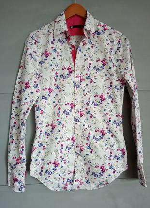 Рубашка с цветочным принтом . цветы . яркая рубашка.