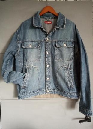 Отличная мужская джинсовая куртка. джинсовка . винтаж