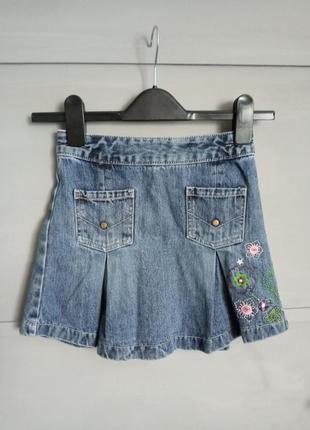 Джинсовая юбка. юбка . в складочку. с вышивкой . цветы