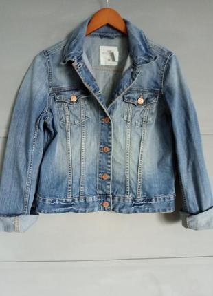 Крутая джинсовка. джинсовая куртка. джинс. джинсовый пиджак.