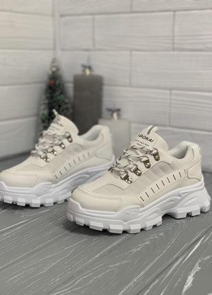 Крутые кроссовки на платформе