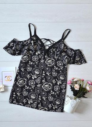 Красива блуза в квіти, відкриті плечі george