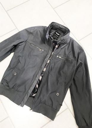 Серая курточка beluomo