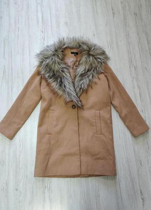 Распродажа до 1 мая🆘 бежевое пальто с меховым воротником