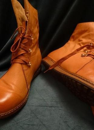 Стильные ботинки на осень