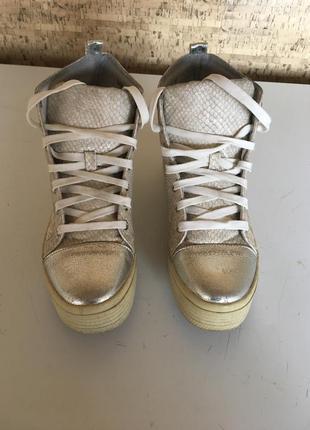 Кеды золотистые ботинки со шнурками