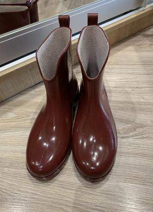 Резиновые сапоги  ботинки бордовые классные аккуратные