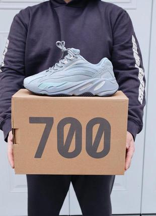 Кроссовки adidas yeezy 700 hospital blue в синем цвете (весна-...