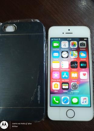 iPhone 5S A1533 16ГБ LTE из США Неверлок ! ID (icloud) чистый