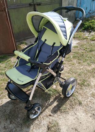 Дитячий візок, коляска.