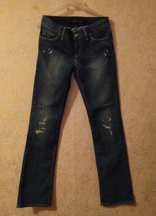Стильные джинсы бренда loft