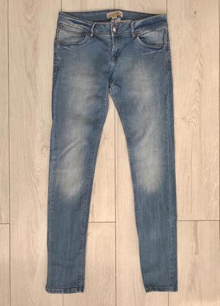 Джинсы, світлі джинси, светлые джинсы.
