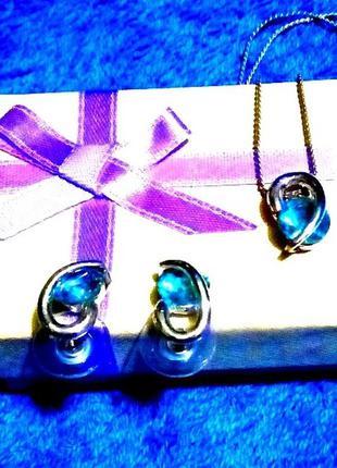 Ожерелье и серьги гвоздики в наборе с кристаллами swarovski по...
