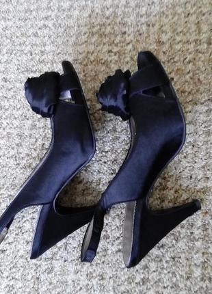 Шикарные туфли/босоножки. 39 размер