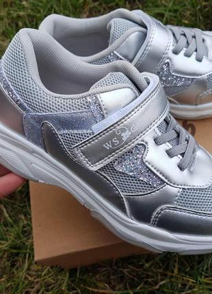 Серебряные кроссовки для девочки с супинатором на липучке р.32...