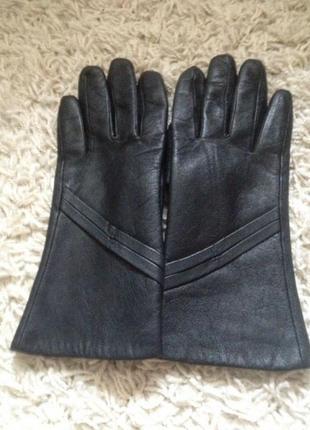 Кожаные осенние перчатки