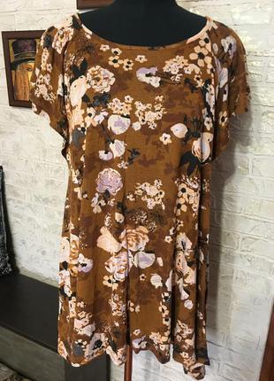 Натуральная футболка в цветы