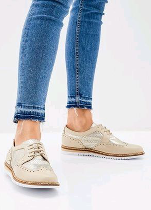 Женские туфли броги Caprice