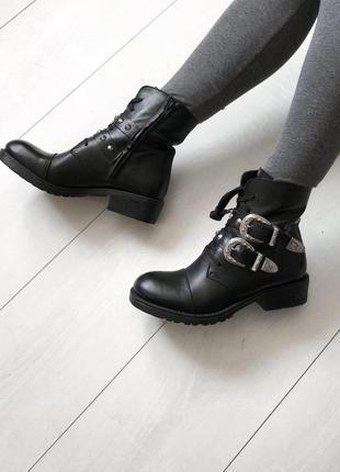 Ботинки супер стильные 37 р кожа грубые кожа италия