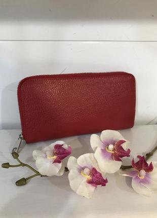 Красный кошелек кожа италия