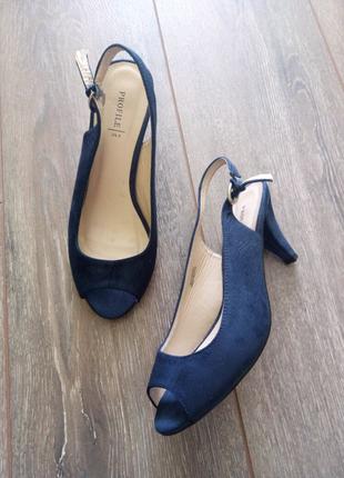 Синие замшевые босоножки туфли