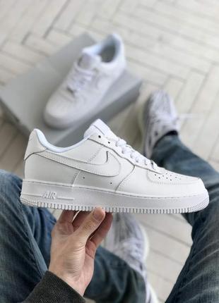 Белые мужские кроссовки nike air force