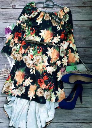 Стильное яркое платье новое