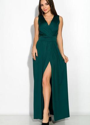 Длинное женское платье бутылочного цвета