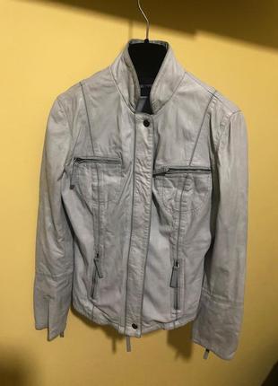 Куртка из тончайшей перчаточной лайковой кожи от emporio arman...