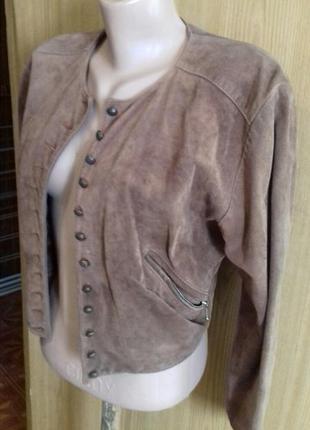 Классная короткая куртка пиджак натуральная замша