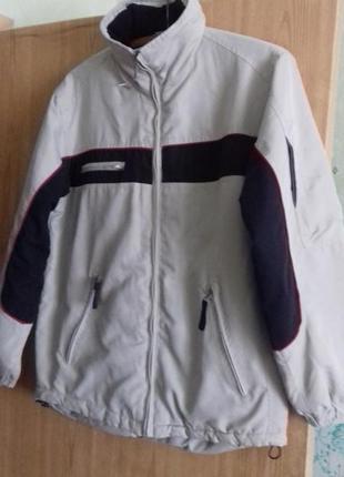 Симпатичная курточка демисезонная на 14-15 лет на рост от 164-...
