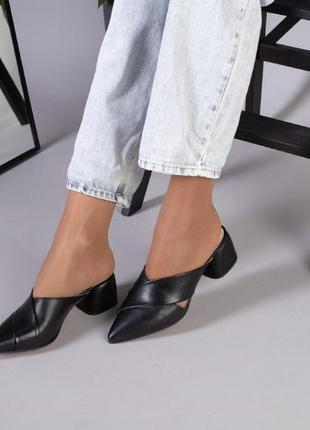 Женские кожаные    шлепанцы на каблуке