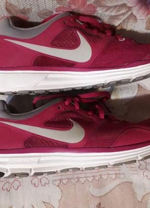 кроссовки Nike, куплены заграницей