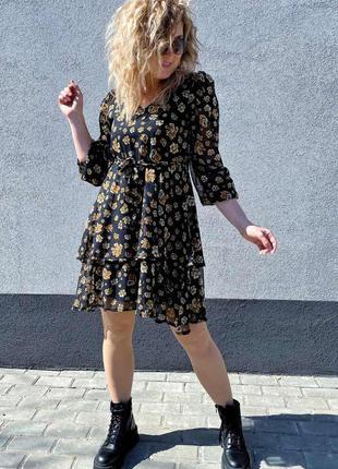 Красивое шифоновое платье с цветочным принтом