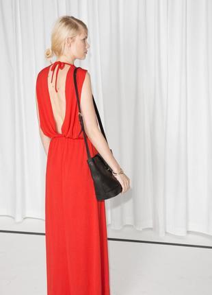Длинное трикотажное платье в пол