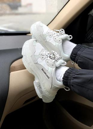 Женские кроссовки triple s clear sole white